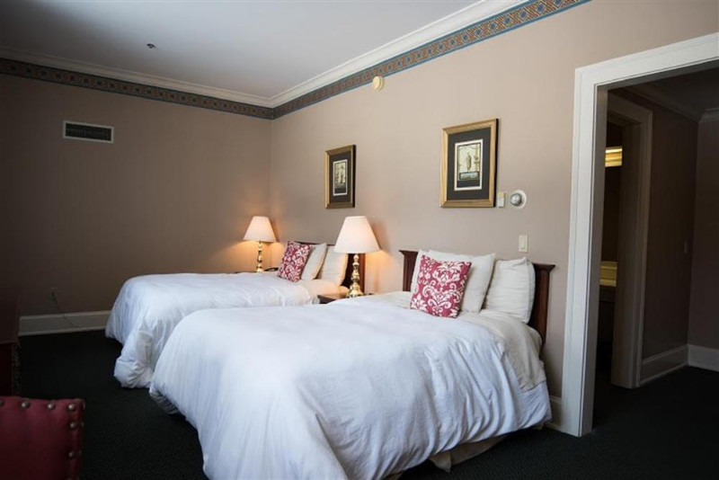 Bertram-Inn-At-Glenmoor-photos-Room-Traditional-Double-Room
